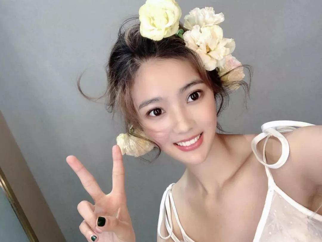 【华美整形杯安徽省第9届国际胸模大赛选手风采】花开的姿态